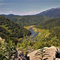 Взгляд в долину реки Усы :: Сергей Чиняев