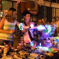 Продавцы праздника :: Марина