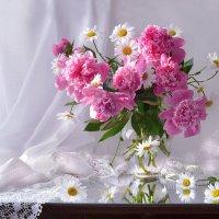 Аромат - словно память блаженства... :: Валентина Колова
