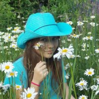 Портрет с ромашками :: Galina Solovova