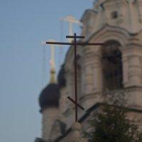 Крест врат церкви Сергия Радонежского в Комягино. :: Absolute Zero