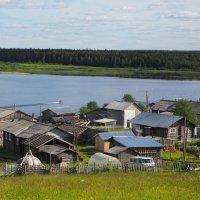 Деревня на берегу реки :: Дмитрий Иванов