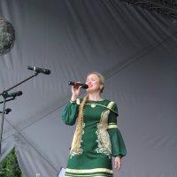 Мордовочка на сцене :: Валерий