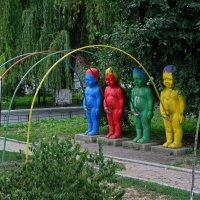 Киев, Пейзажная Аллея, Фэшн-парк — «Радуга» :: Absolute Zero