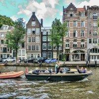 Водные улицы Амстердама. Паркетник с прицепом. :: Eldar Baykiev