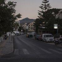 Южный вечер в Ретимно :: Александр Рябчиков