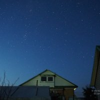 Ночное небо в сельском дворе :: Сергей Воинков