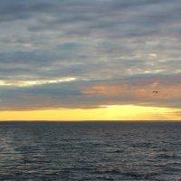 Закат на Онежском озере :: Владимир Соколов