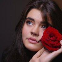 Девушка и роза :: Сергей Z