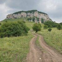 Гора в хуторе Кизинка, Краснодарский край :: Андрей Майоров