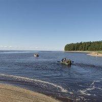 Рыбаки на Белом море. Устье речки Тамица. :: Марина Никулина