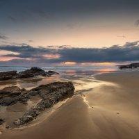 Песок и камень. :: Юрий