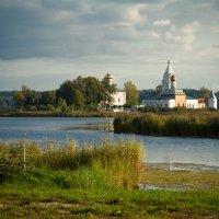 Свято-Троицкий Островоозерский монастырь :: Юлия Рябинина