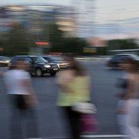 Автомобили, автомобили буквально всё заполонили :: Ирина Данилова