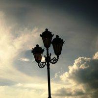 старинный фонарь на набережной р.Волги в Самаре :: Татьяна (Децепулька) Никитина
