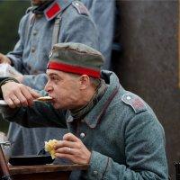 Война войной,.... :: Максим Бочков