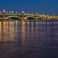 Троицкий мост в огнях :: Valerii Ivanov
