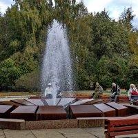 Осень у Муравьёвского фонтана. :: Sergey Serebrykov