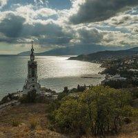Храм-маяк у Малореченского :: Игорь Кузьмин