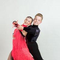 Танцевальная пара :: Олег Кошкаров