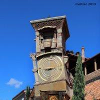 часы с боем на башне театра марионеток :: meltzer
