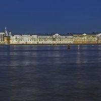 Дворцовая набережная после заката :: Valerii Ivanov