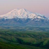 Эльбрус. Вид с плато Бермамыт. :: Дмитрий Сарманов