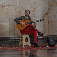 Люди в городе. :: Aleksey Afonin