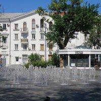 Фонтан на площади :: Александр Рыжов