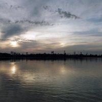 Два ярких отражения на озерной глади :: Galina Solovova