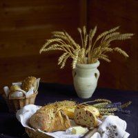 Тепло хлеба...Будьте все здоровы! :: liudmila drake