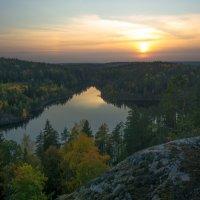 Закат над Треугольным озером :: Наталья Левина