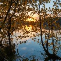 Осенний рассвет :: Олег Пученков