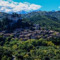деревня Кастелну (Castelnou) в горах :: Георгий А