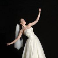 Свадебное платье :: Денис Финягин