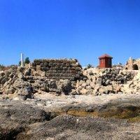 Развалины храма Аполлона (вид с моря) :: Карен Мкртчян