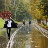 На улице дождь, а также по области... :: Ренат Менаждинов