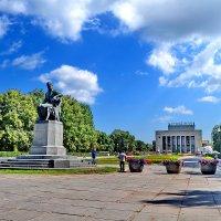 Пионерская площадь. :: Константин Иванов
