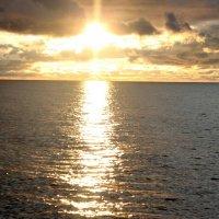 Морской закат :: Михаил Сахнов