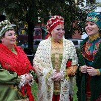 три девицы-рукодельницы :: Лана Lana