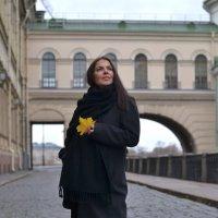 Желтый лист, осенний.. :: Татьяна Осекина