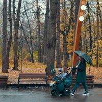 С зонтиком можно и играть. :: Татьяна Помогалова