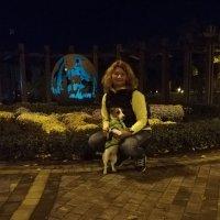 Вечером в парке Наталка :: Тамара Бедай