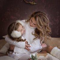 Нежные объятия мамы :: Евгений Кодяев