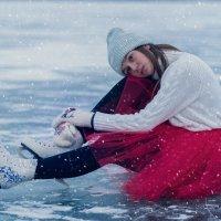 На льду пруда :: Юлия Крапивина