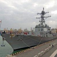 Ракетный эсминец США «James E. Williams» (DDG 95) в Одесском порту :: Юрий Тихонов