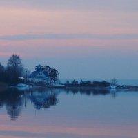 на озере заканчивается день...    (ГОЛОСУЙТЕ в конкурсе - см.внизу) :: Leonid Voropaev