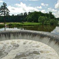 Плотина в Яропольце :: Сергей Моченов