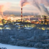 Морозы, ухтинская ТЭЦ работает в полную мощь... :: Николай Зиновьев