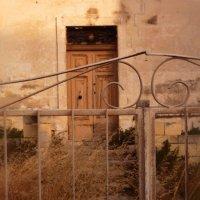 Дом, в который уже не попасть :: Александр Жданов
